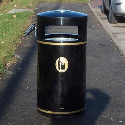 Metal Chieftain Litter Bin.